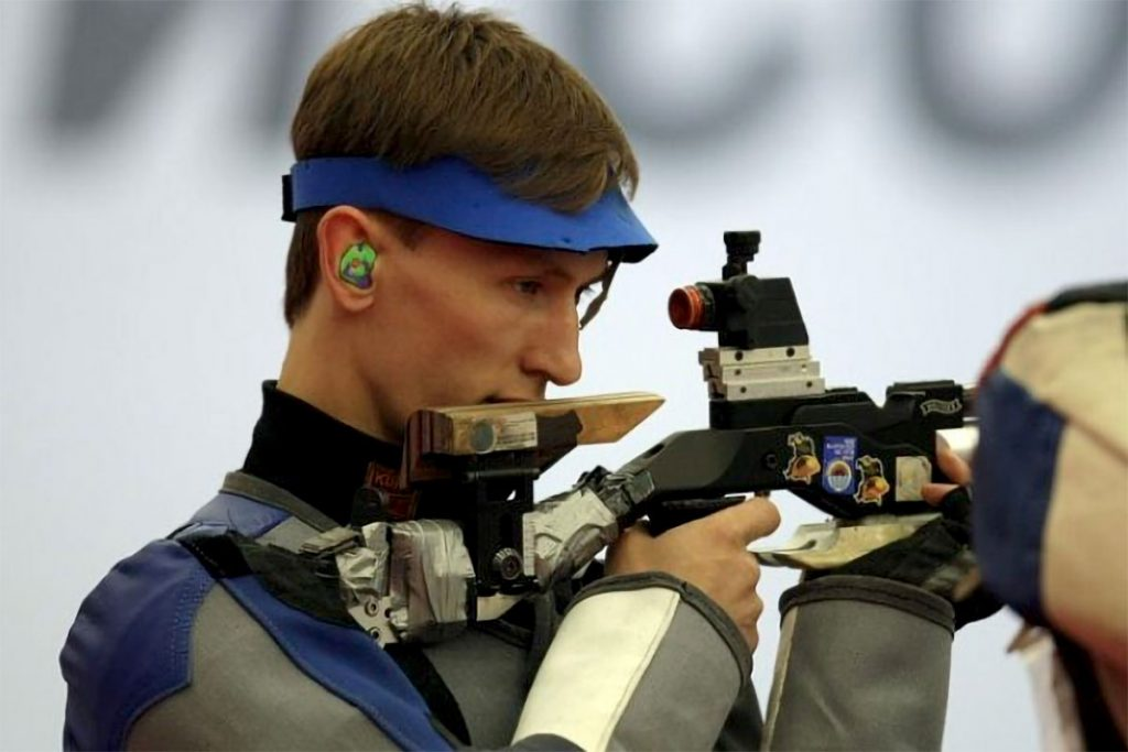 Александр Соколов стал обладателем золотой и бронзовой медалей на всероссийских соревнованиях по стрельбе в Ижевске