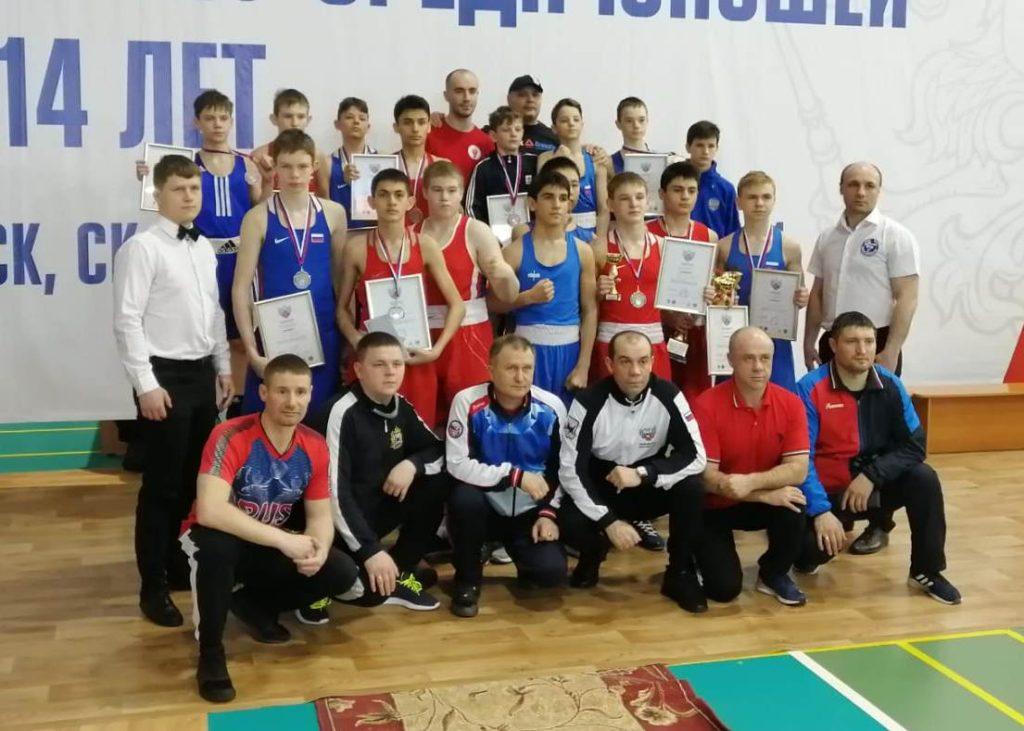 Сборная Иркутской области заняла второе место на первенстве СФО по боксу среди юношей 13-14 лет