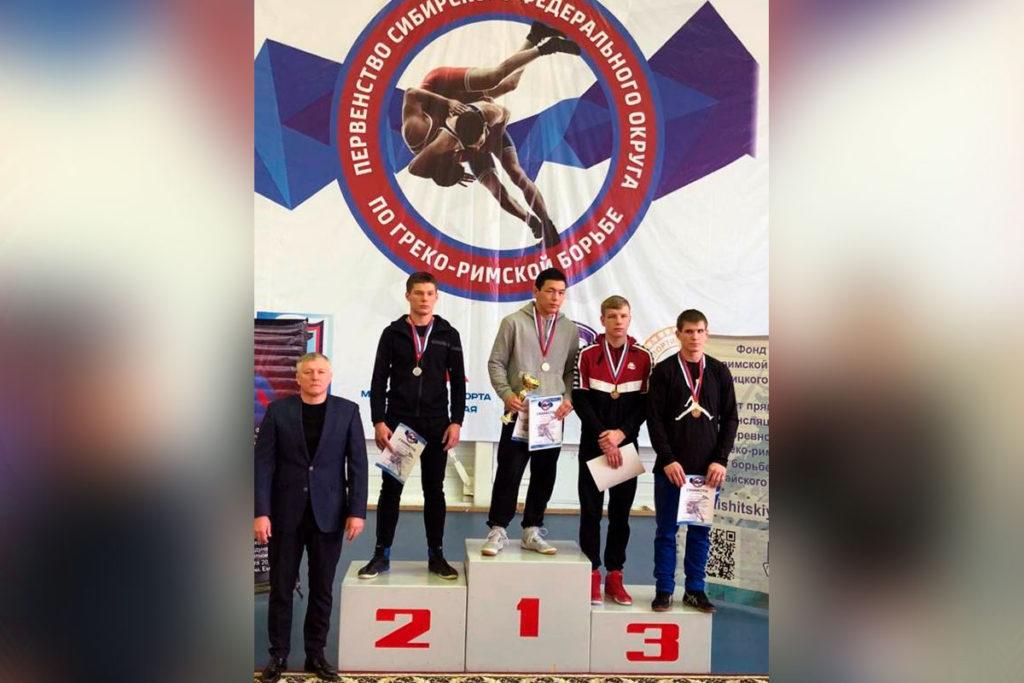 Даниил Софьин занял второе место на первенстве СФО по греко-римской борьбе среди юниоров до 21 года