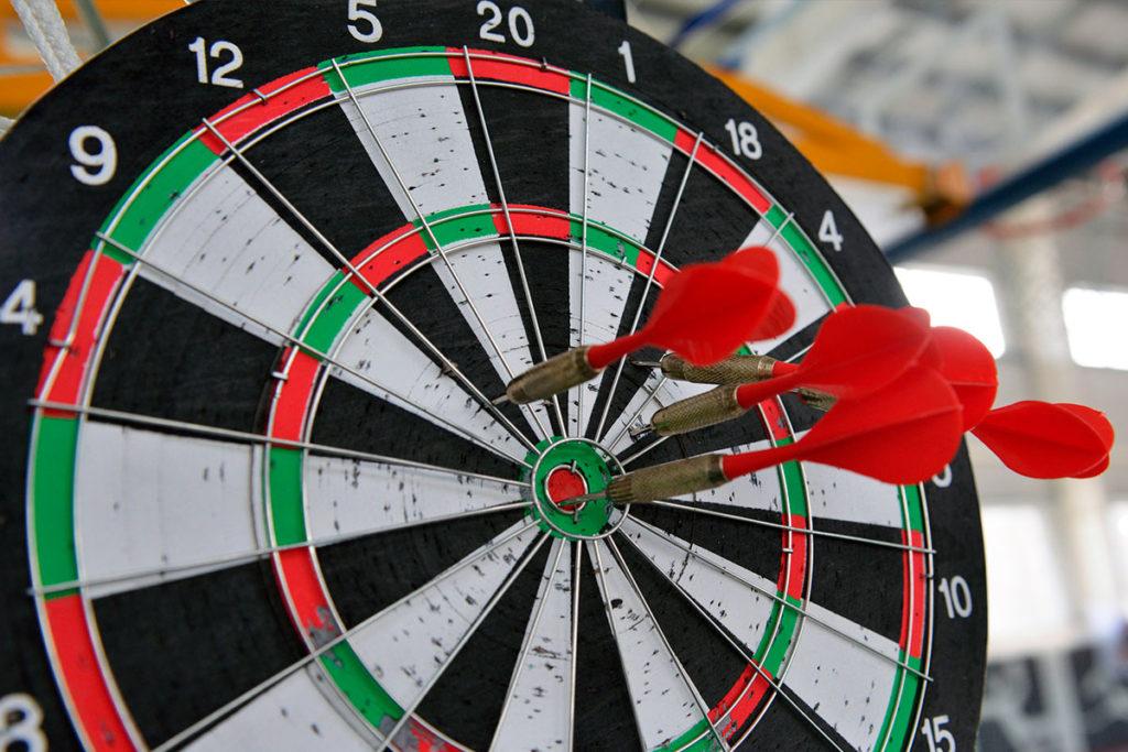 В Иркутске прошли областные турниры по дартсу среди инвалидов