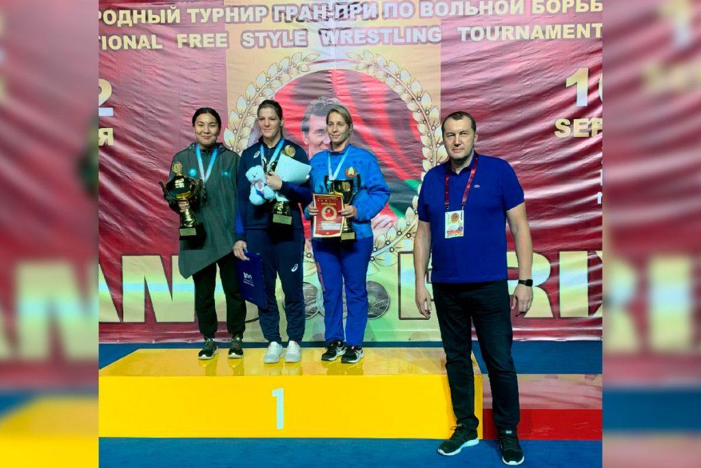 Екатерина Букина заняла первое место на международном турнире по вольной борьбе