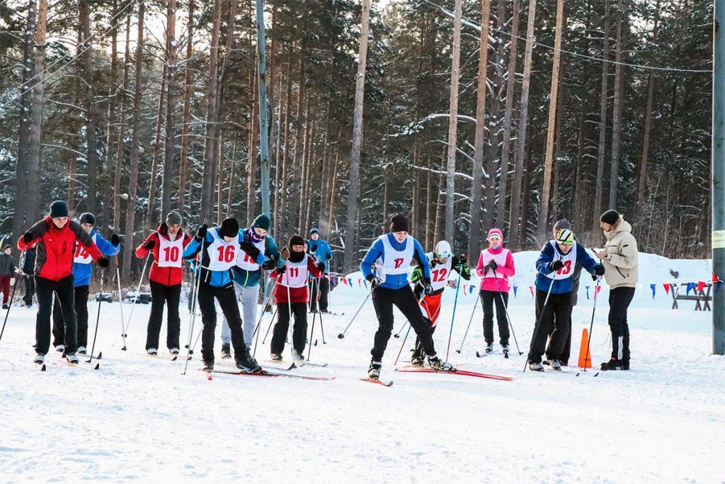В Иркутске прошли соревнования по лыжным гонками среди исполнительных органов государственной власти, депутатов и аппарата ЗС