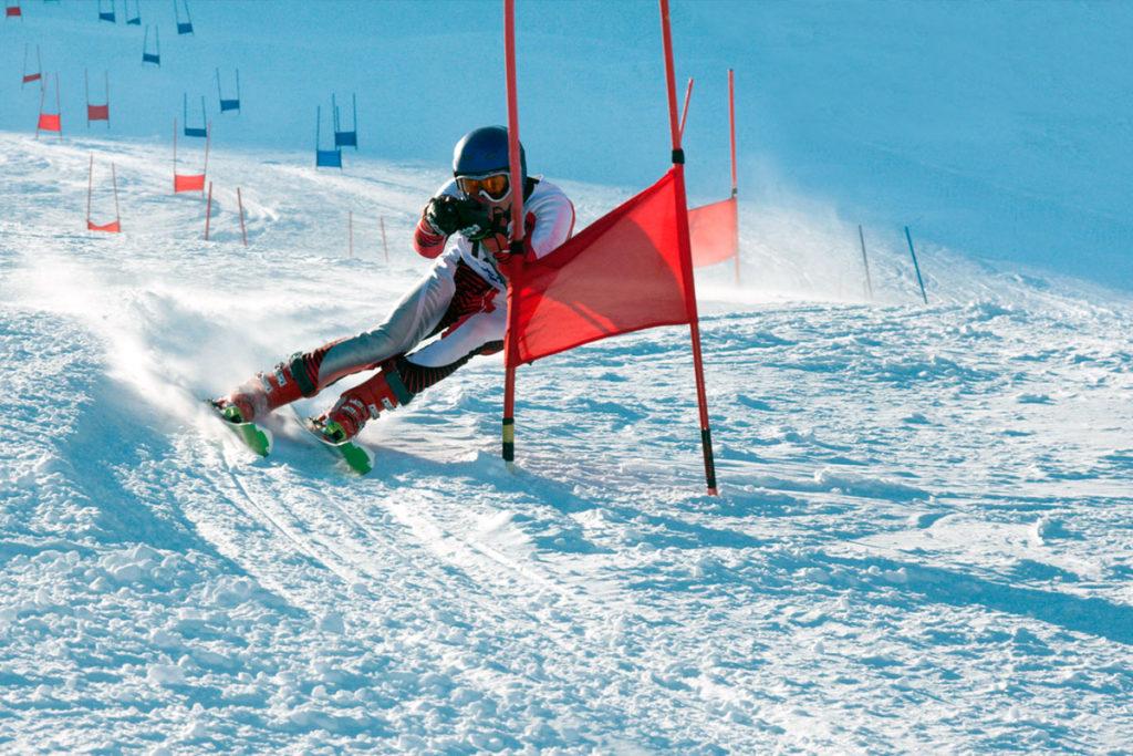 Иркутский горнолыжник Никита Иванов стал серебряным и бронзовым призёром первенства России