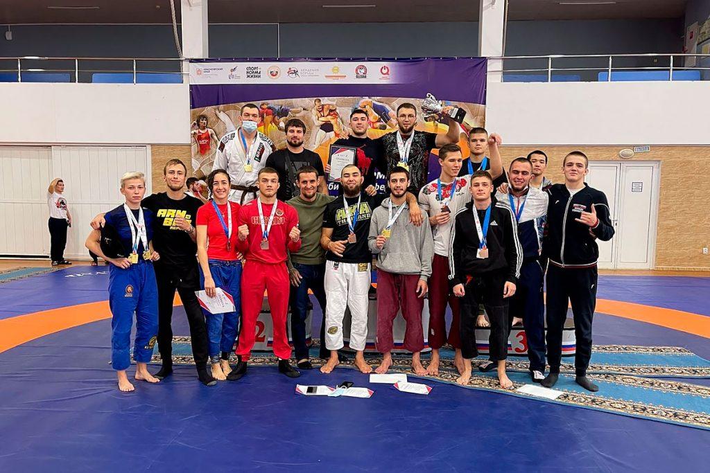 22 медали завоевали единоборцы Приангарья на чемпионате Сибири по грэпплингу