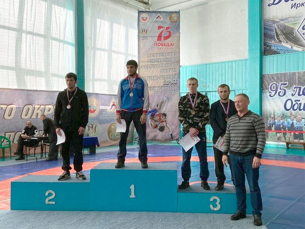 Иркутский спортсмен одержал победу на первенстве СФО по греко-римской борьбе среди юниоров