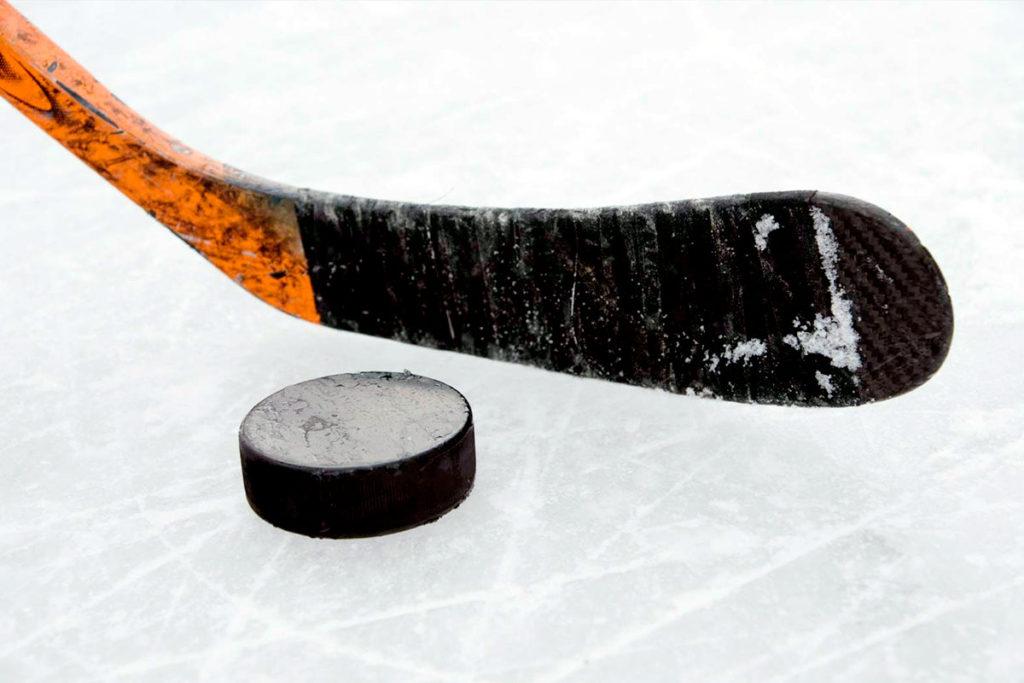 Открытый турнир по хоккею с шайбой среди юношей 2008-2009 годов рождения пройдет в Иркутске и Ангарске
