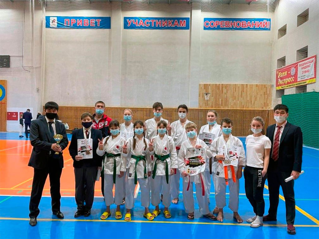 19 медалей завоевали каратисты Иркутской области на соревнованиях в Чите
