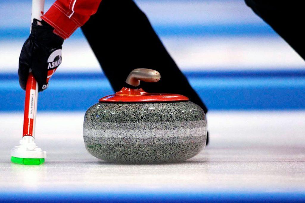 Команды Приангарья завоевали серебряные медали на всероссийских соревнованиях по кёрлингу в Сочи
