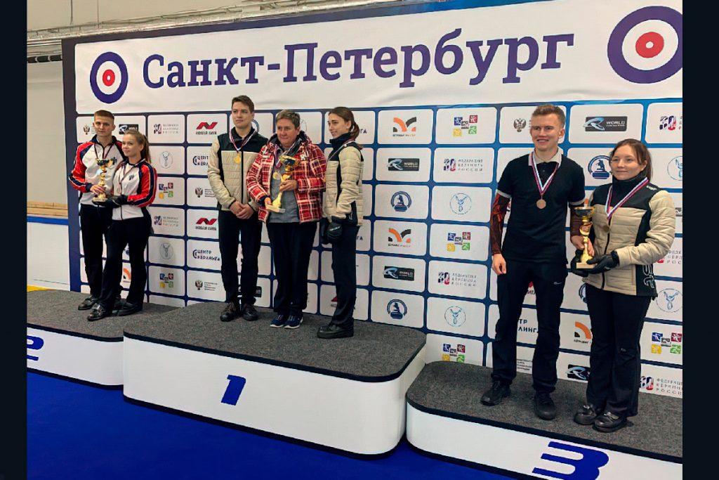 Золото и бронзу выиграли кёрлингисты Приангарья на всероссийских соревнованиях в Санкт–Петербурге