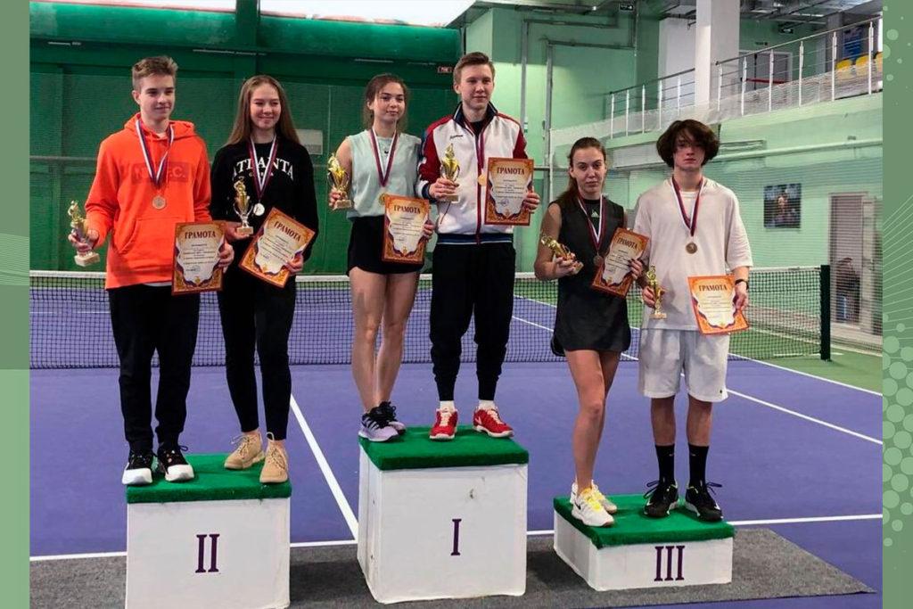 Лев Шабалин стал бронзовым призёром открытого первенства ДФО по теннису