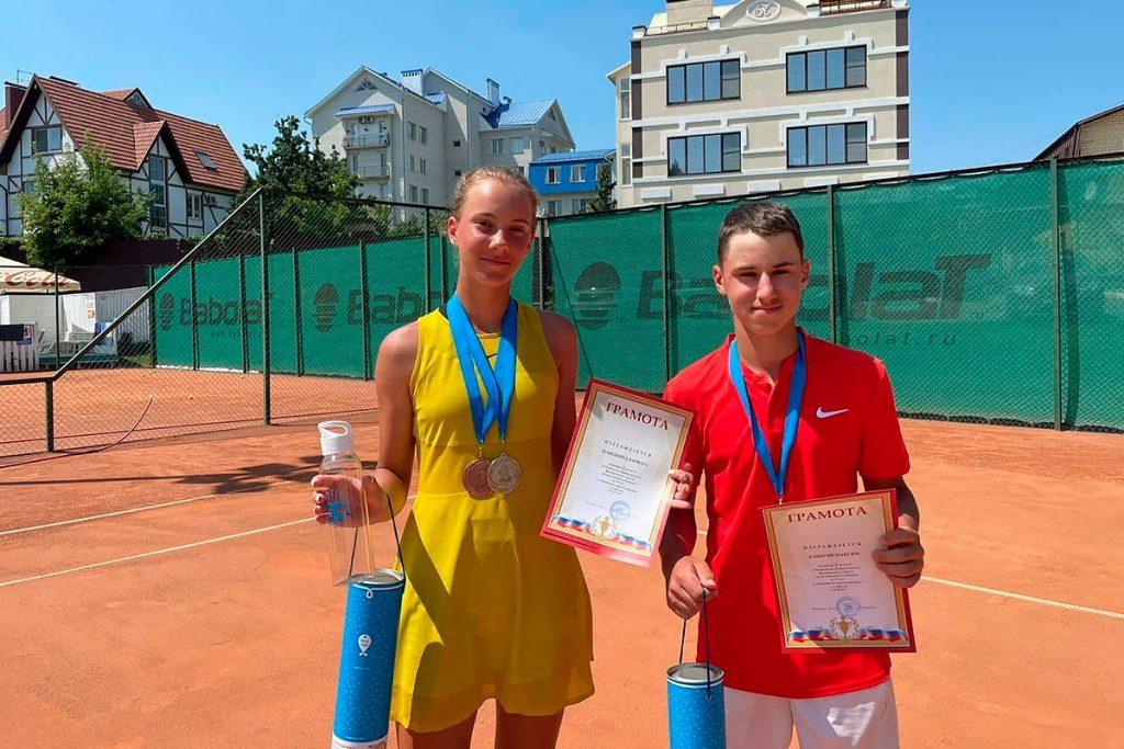 Максим Лавыгин выиграл серебряную медаль на первенстве Приволжского федерального округа по теннису