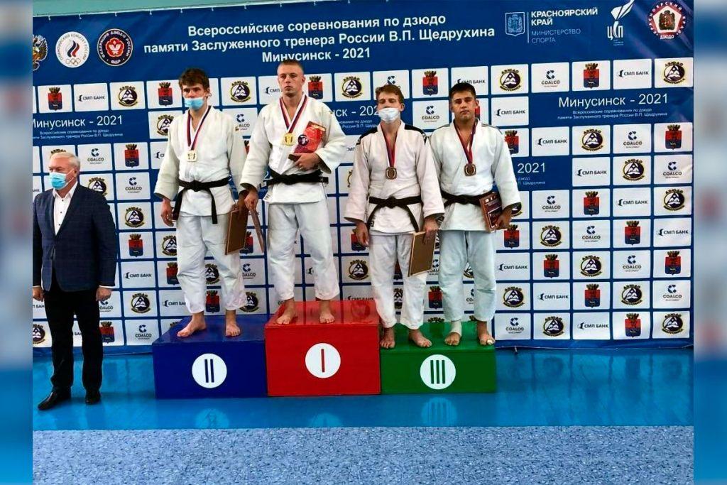 Михаил Белизов выиграл серебряную медаль на всероссийских соревнований по дзюдо