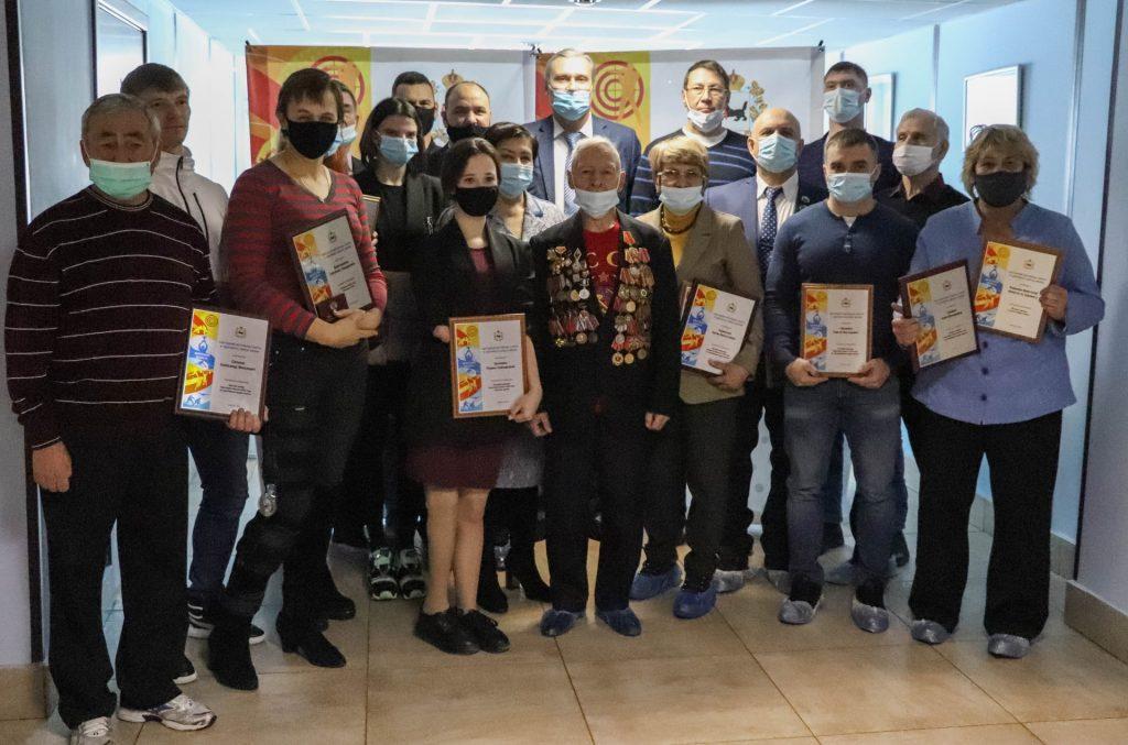 Лучших спортсменов и тренеров Иркутской области наградили по итогам 2020 года
