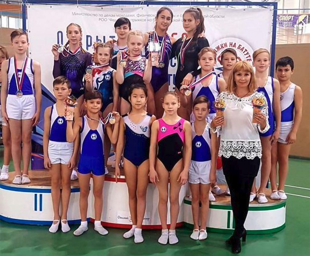 11 медалей взяли завоевали иркутские спортсмены на пятом открытом Кубке Омской области по прыжкам на батуте