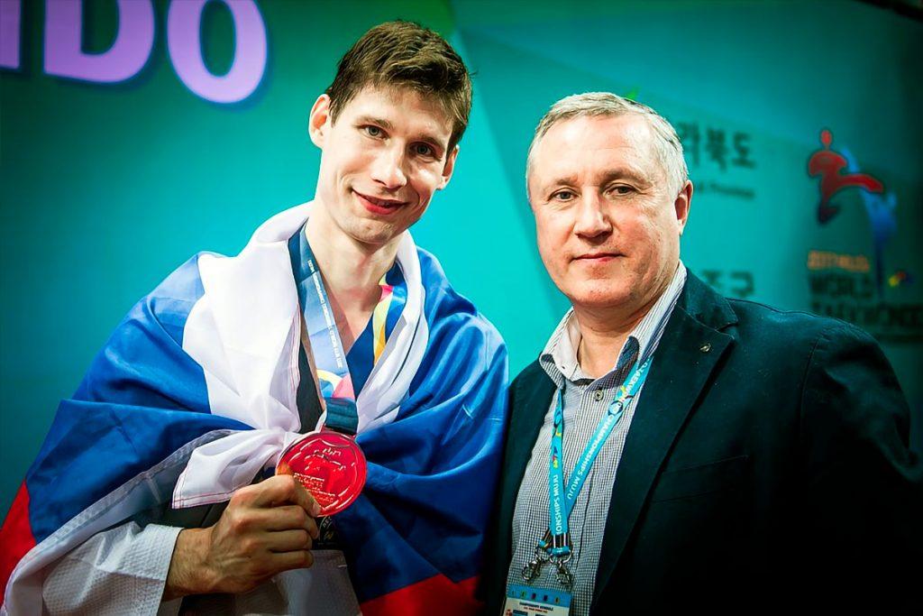 Серебряную медаль завоевал Роман Кузнецов Мульти-Европейских играх по тхэквондо ВТФ