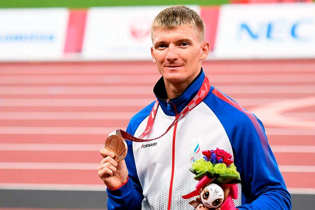 Легкоатлет Роман Тарасов выиграл бронзовую медаль на XVI Паралимпийских летних играх по спорту слепых