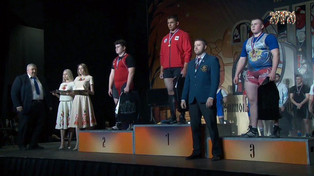Три медали выиграли тяжелоатлеты Приангарья на чемпионате и первенстве России по пауэрлифтингу в классическом троеборье