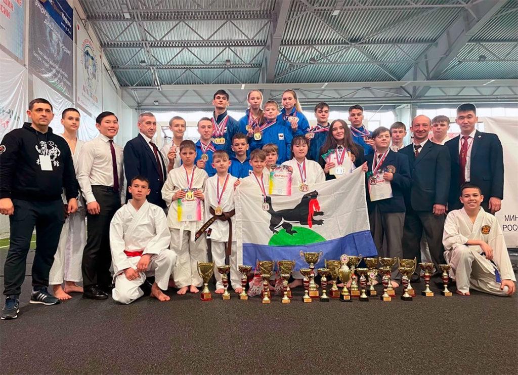 28 медалей завоевали спортсмены Приангарья на первенстве и чемпионате Сибири по сётокан