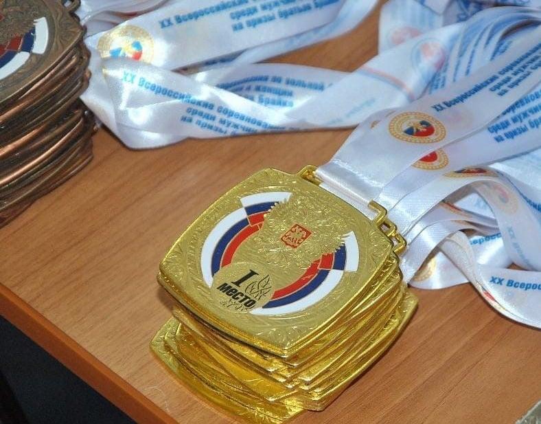 Спортсменки Приангарья выиграли четыре медали на всероссийских соревнованиях по вольной борьбе