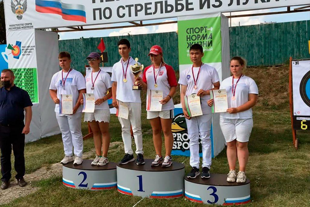 Три бронзовые медали завоевали лучники Иркутской области на первенстве России