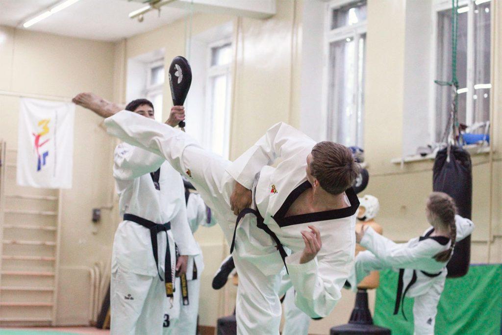 Иркутские спортсмены привезли четыре медали с чемпионата СФО по тхэквондо