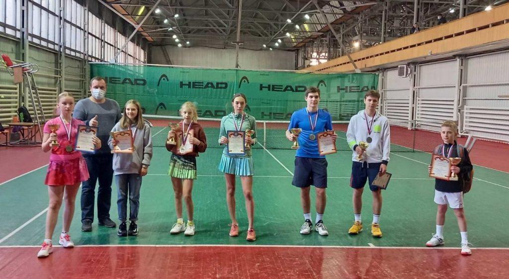Спортсмены Приангарья выиграли пять медалей на турнирах по теннису в Красноярске