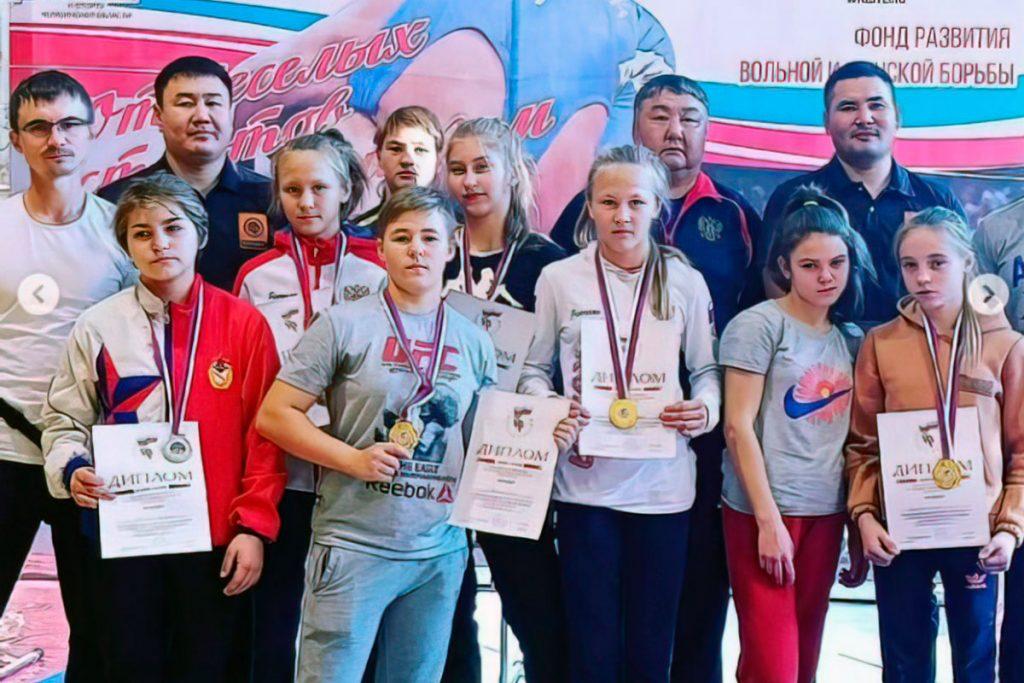 Шесть медалей завоевали вольницы Приангарья на всероссийском первенстве ОГФСО «Юность России»