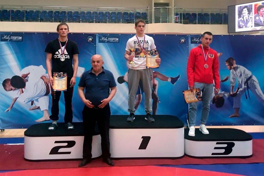 С тремя медалями вернулись «вольники» Иркутской области с всероссийских соревнований по спортивной борьбе