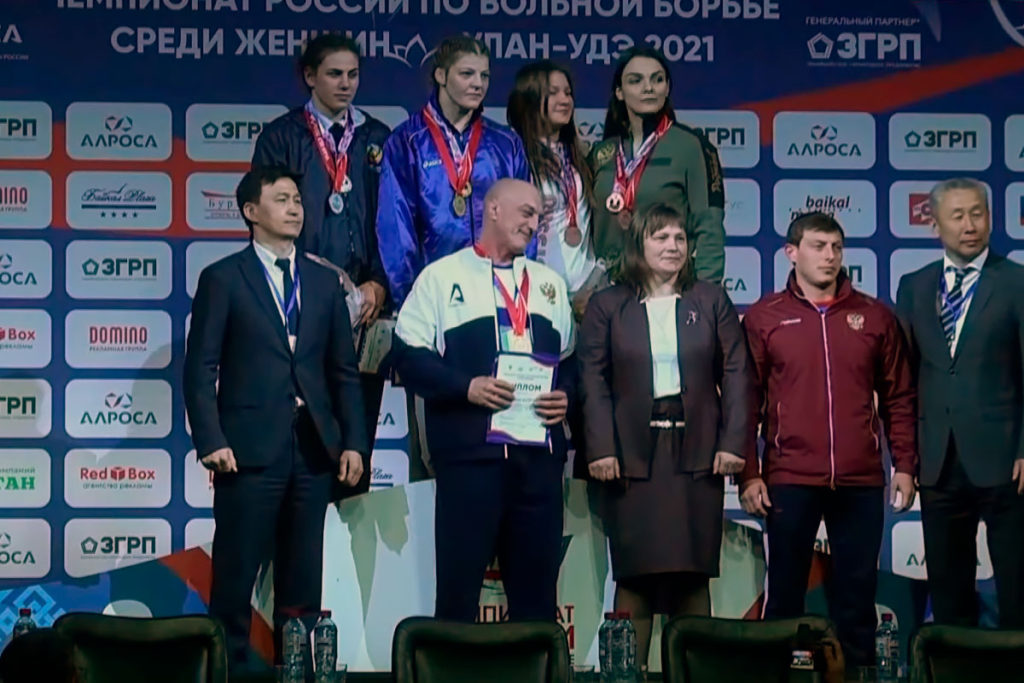 Спортсменки Иркутской области завоевали золото и серебро на чемпионате России по вольной борьбе