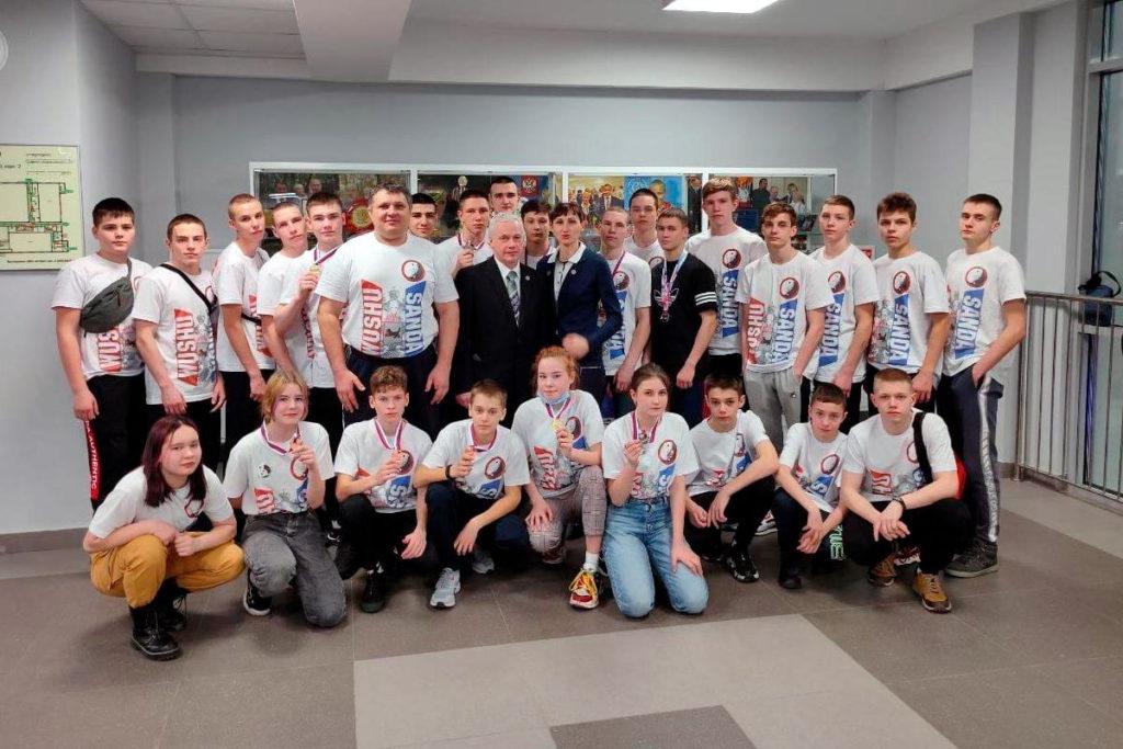 17 медалей завоевали спортсмены Приангарья на чемпионате и первенстве России по ушу-саньда